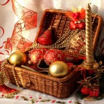 pictures-originals-2012-new_year_wallpapers_basket_with_decorations_035355_